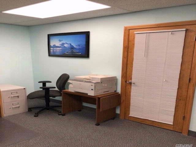 Studio,  0.00 BTH Office style home in Smithtown