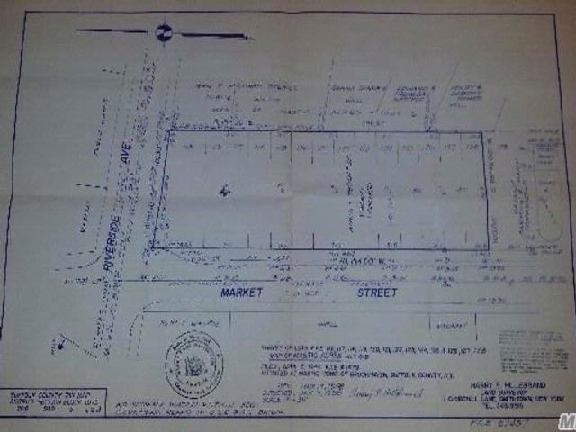 Lot <b>Size:</b> 300 x 100 Land style home in Mastic Beach