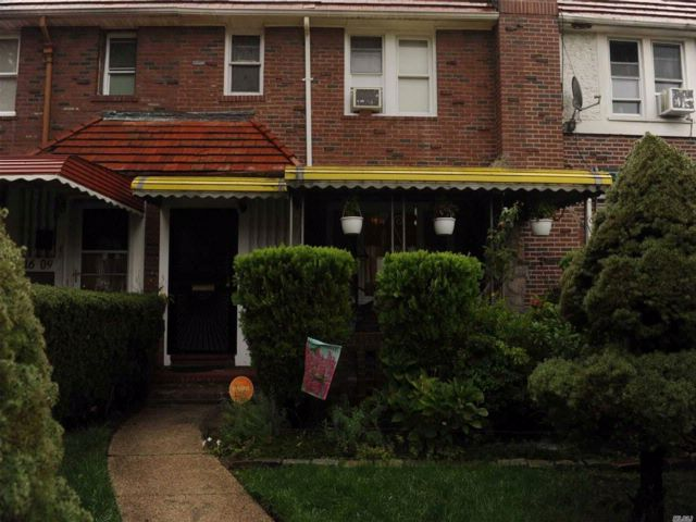 3 BR,  1.50 BTH  Colonial style home in Cambria Heights