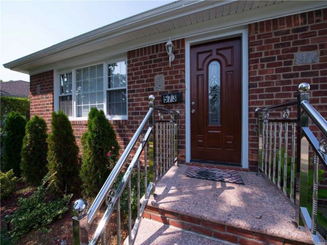 3 BR,  2.00 BTH Ranch style home in Uniondale