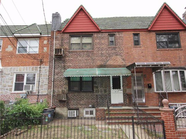 3 BR,  3.00 BTH  2 story style home in Woodside