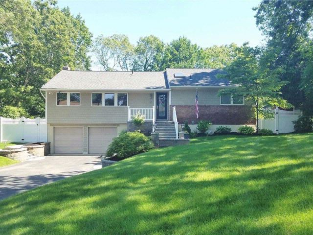 [Hauppauge Real Estate, listing number 3091802]