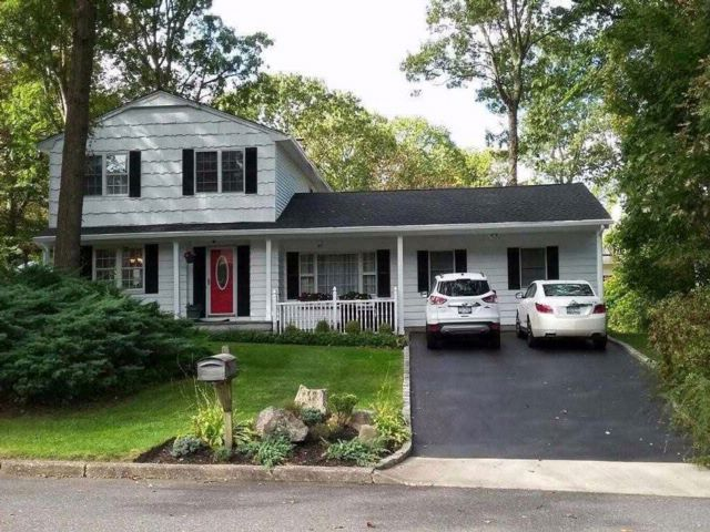 5 BR,  3.50 BTH  Colonial style home in Miller Place