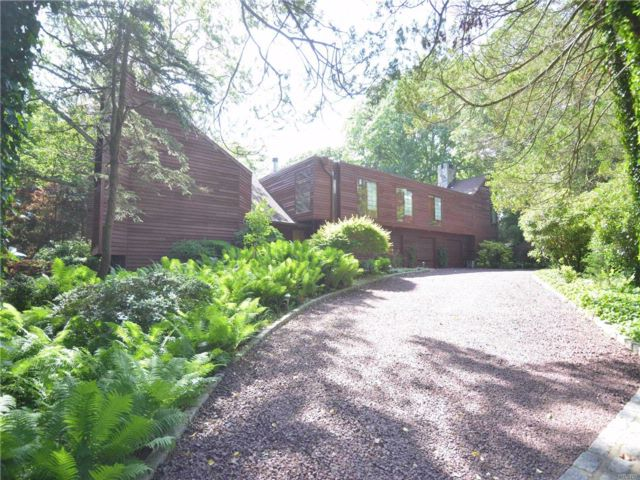 5 BR,  6.50 BTH Contemporary style home in Woodbury