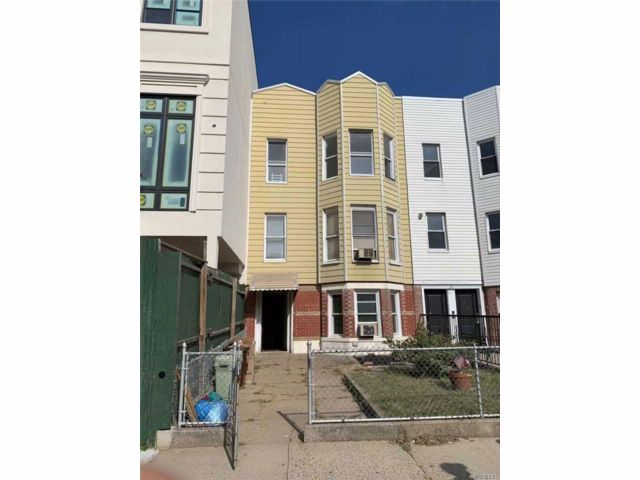 8 BR,  3.00 BTH Other style home in Kensington