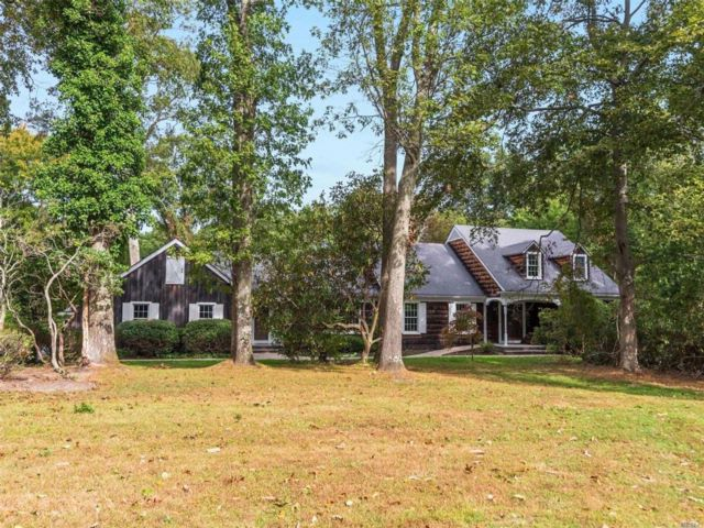 6 BR,  3.50 BTH  Farm ranch style home in Old Field