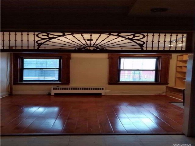 1 BR,  1.00 BTH  Hist style home in Clinton Hill