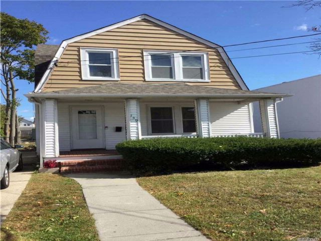 2 BR,  1.00 BTH Colonial style home in Patchogue