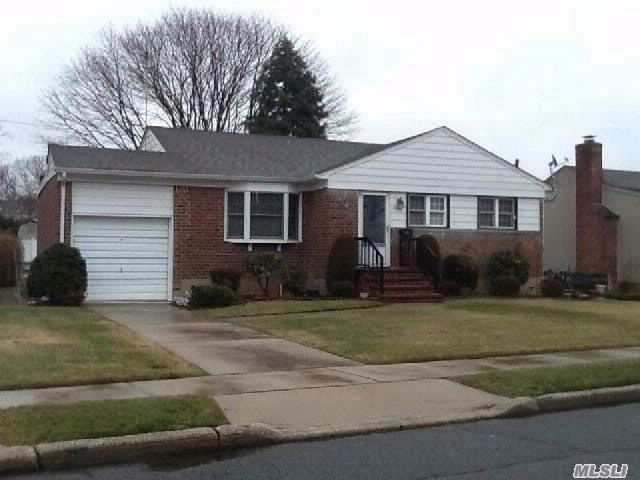 3 BR,  2.00 BTH Ranch style home in Seaford