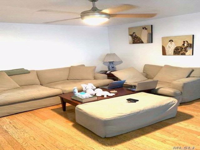 7 BR,  5.00 BTH Store+dwell style home in Sunset Park