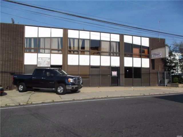 Studio,  0.00 BTH Office style home in Lawrence