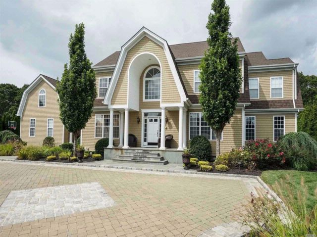 6 BR,  7.00 BTH  Post modern style home in Wading River