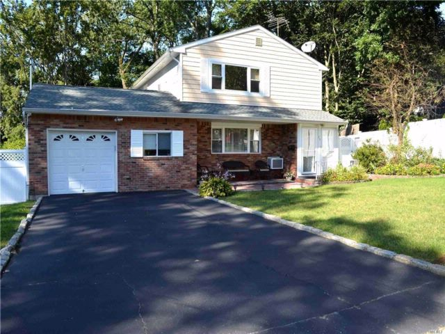 [Glen Cove Real Estate, listing number 3092874]