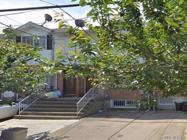 3 BR,  2.50 BTH Townhouse style home in Staten Island