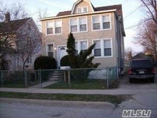 1 BR,  1.00 BTH Apt in house style home in Oyster Bay