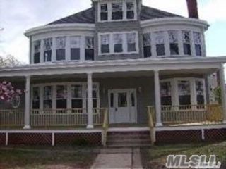 4 BR,  2.00 BTH Apt in house style home in Oyster Bay