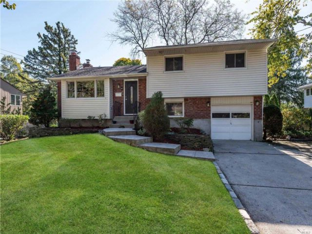 3 BR,  1.50 BTH Split style home in Syosset