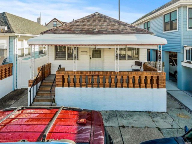 [Long Beach Real Estate, listing number 3093059]