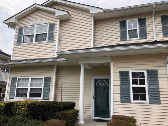 2 BR,  2.00 BTH  Condo style home in East Quogue