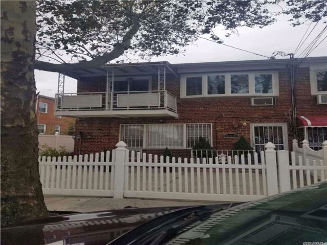 5 BR,  2.50 BTH 2 story style home in Mill Basin