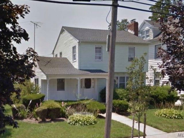 4 BR,  1.50 BTH Colonial style home in Hempstead