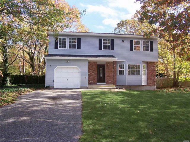 4 BR,  1.50 BTH Colonial style home in Mastic