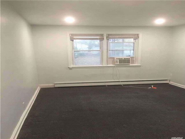 1 BR,  1.00 BTH 2 story style home in Floral Park