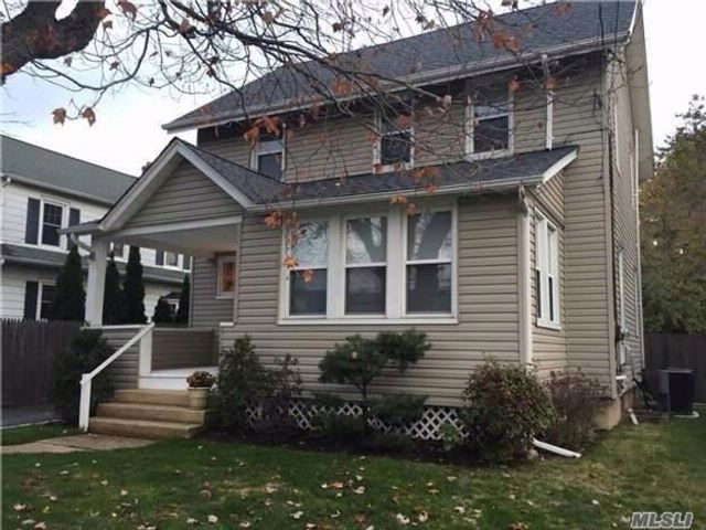 2 BR,  1.00 BTH 2 story style home in East Norwich