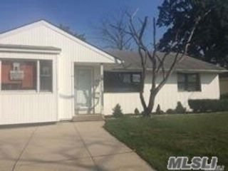 3 BR,  1.50 BTH Ranch style home in Oceanside