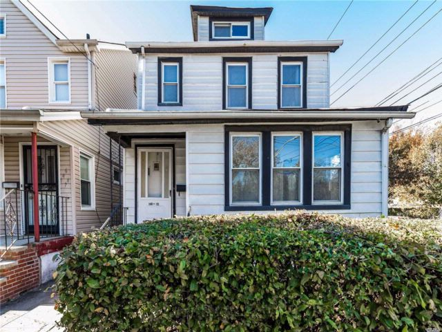3 BR,  1.50 BTH 2 story style home in Springfield Gardens