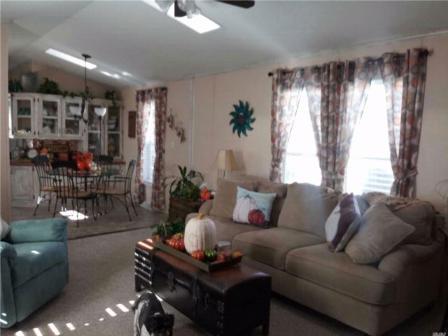 2 BR,  2.00 BTH Mobile home style home in Riverhead