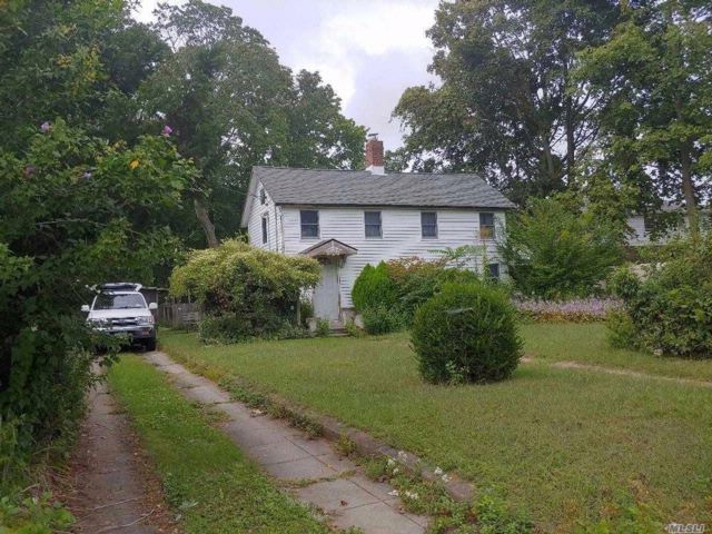 3 BR,  1.00 BTH Other style home in West Hempstead