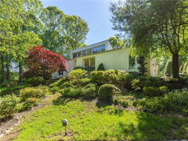 6 BR,  5.50 BTH Contemporary style home in Woodbury