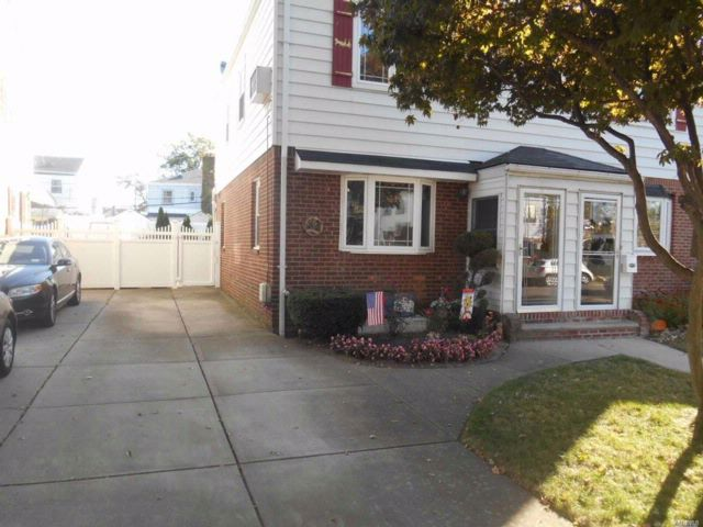 2 BR,  1.00 BTH Colonial style home in Bellerose