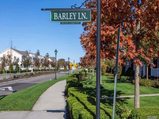 2 BR,  2.00 BTH Condo style home in Patchogue