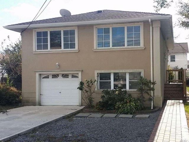4 BR,  2.00 BTH Hi ranch style home in Island Park
