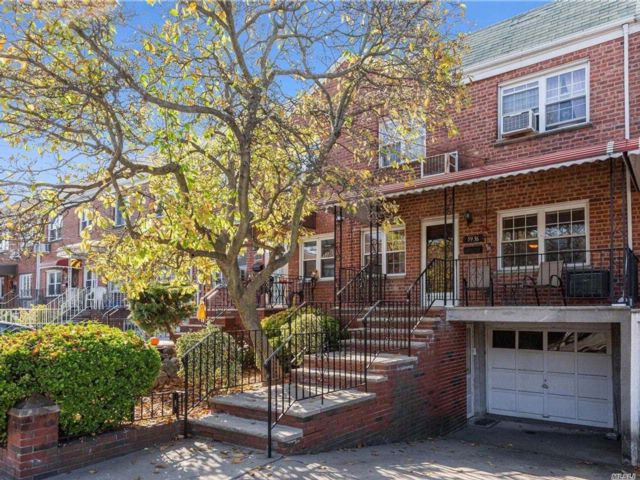 [Maspeth Real Estate, listing number 3094167]