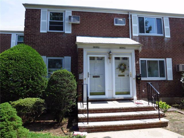 2 BR,  1.00 BTH  Co-op style home in Glen Oaks