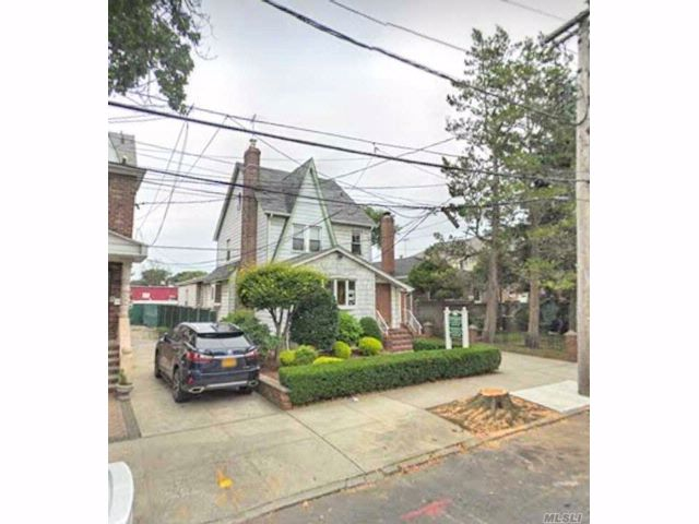 Studio,  0.00 BTH Misc style home in Oakland Gardens