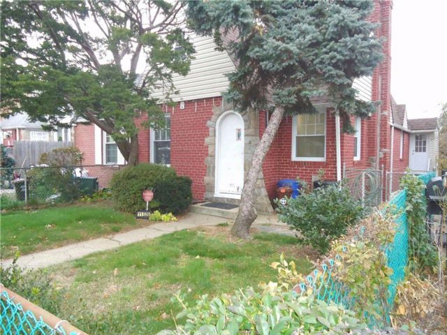 3 BR,  2.00 BTH Cape style home in Cambria Heights