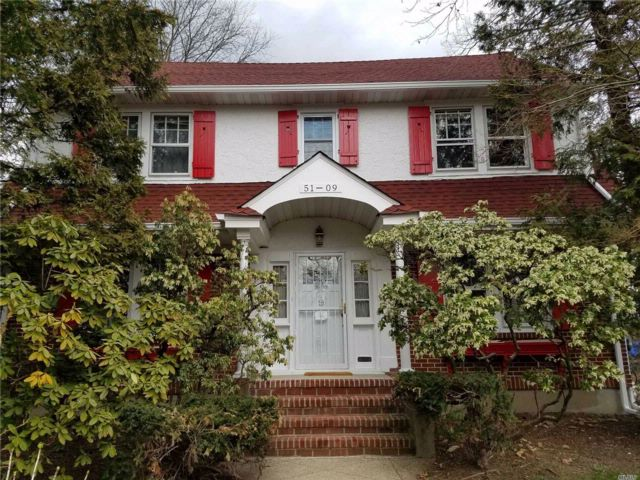 6 BR,  3.00 BTH Colonial style home in Douglaston