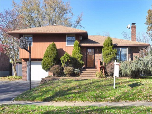 [Syosset Real Estate, listing number 3095104]