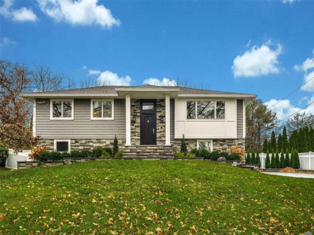 4 BR,  3.00 BTH Hi ranch style home in East Northport