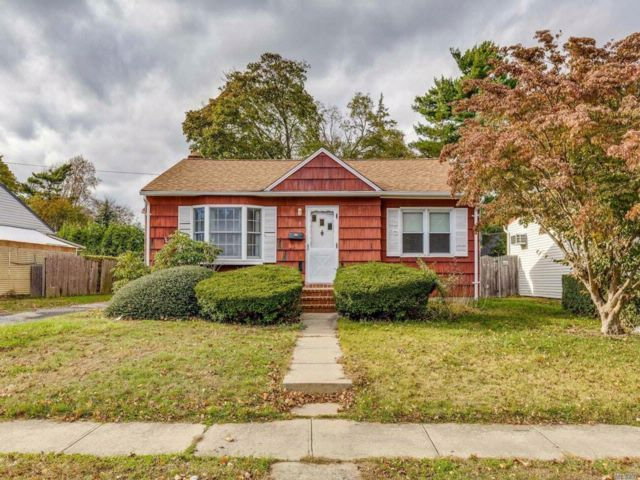 3 BR,  1.50 BTH Exp ranch style home in Bethpage