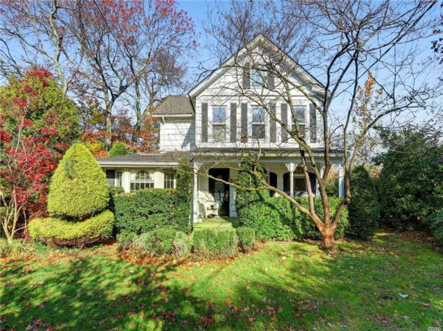 4 BR,  2.50 BTH Colonial style home in Woodmere