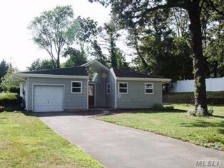4 BR,  2.00 BTH  Ranch style home in Shoreham