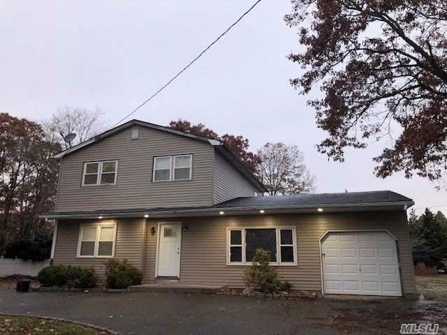 4 BR,  1.50 BTH  Hi ranch style home in Mastic