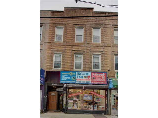 8 BR,  3.50 BTH Store+dwell style home in Woodhaven