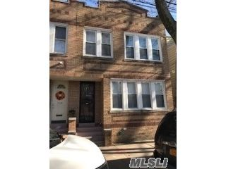 6 BR,  3.00 BTH 2 story style home in Glendale
