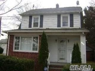 3 BR,  2.00 BTH Colonial style home in Westbury